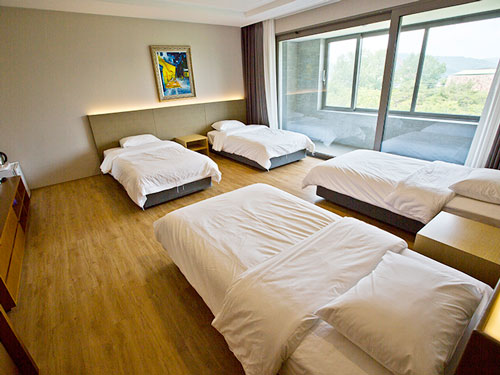 침실 4인