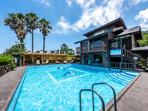리조트 야외수영장